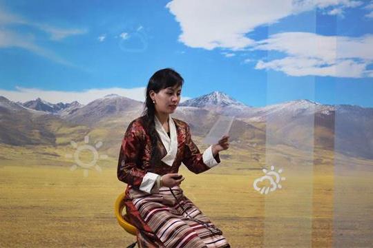 """西藏气象人春节坚守工作岗位 舍""""小家""""为""""大家"""""""