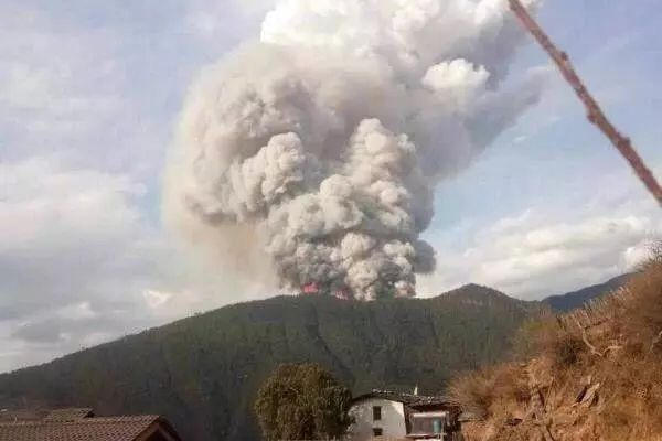 四川凉山森林大火已得控制 30人牺牲