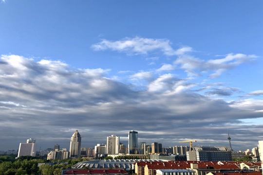 北京雨后碧空如洗 蓝天白云颜值爆表!