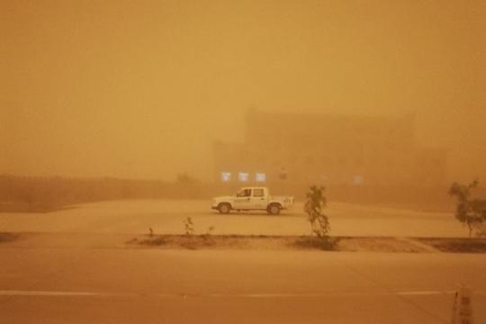灾难电影现实版!特强沙尘暴吞噬新疆若羌