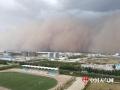 2018年6月22日16时,内蒙古锡林浩特突遭大风沙尘天气袭击,最大风速达20米每秒,场面震撼。(图/毅如乐泰)
