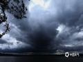 世界杯手机投注平台天气网讯 5月21日下午,哈尔滨松花江上空,被大面积乌云覆盖,瞬间白昼变黑夜。(图文/吴胡荼)