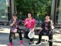 22日,山东济南酷热难耐,民众吃冰淇淋抵挡热浪侵袭。(图/王连珍)