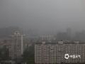 中国天气网讯 今日(5月26日),北京遇短时强降雨,局地路段出现短时积水,市民出行受到影响。(图/王晓)