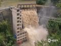 6日夜间至7日凌晨,广西南丹县车河镇、罗富镇等南部乡镇出现暴雨、局地大暴雨天气。图为鸳鸯桥电站水位超过警戒线(图文/杨哲)