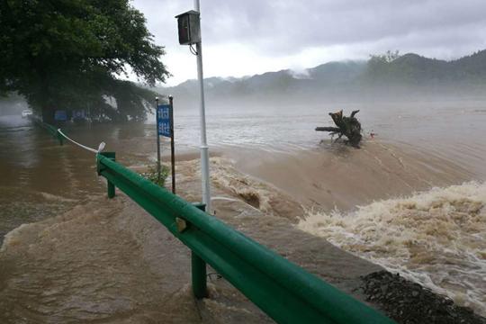梅雨≠霉雨 暴力梅雨再度来袭 南方多地洪涝