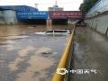 19日起,湖北出现入梅以来第二次强降雨过程。昨天,湖北全省有7县市雨量在100毫米以上,其中孝感汉川出现特大暴雨,雨量达256毫米。武汉出现大暴雨,雨量为170.6毫米。猛烈降雨导致湖北多地出现内涝洪水等灾害。图为鄂州石山涵洞积水车辆被淹。(图/沈聪)