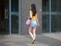 北京晴热暴晒 街头美女清凉着装大秀美腿