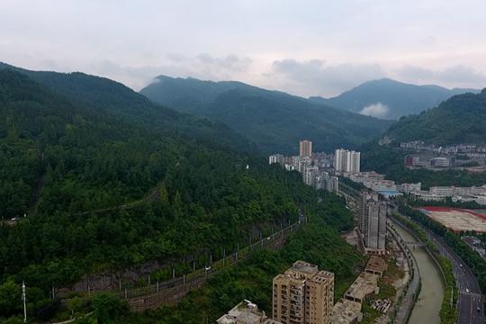"""酉阳:重庆最大""""肺叶"""" 践行绿水青山就是金山银山发展理念"""