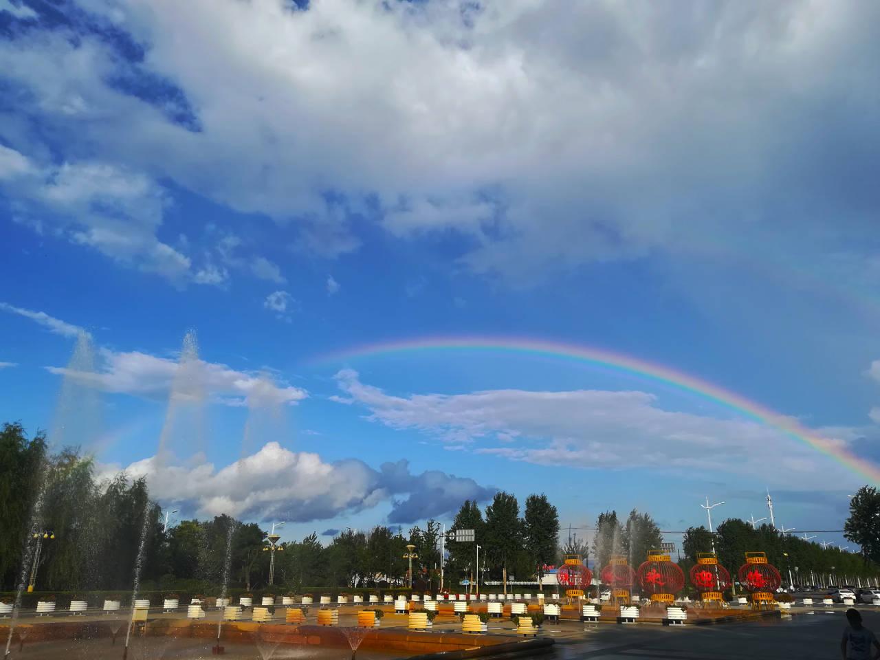 """辽宁铁岭""""水晶蓝""""与双彩虹碰撞出绝美天空"""