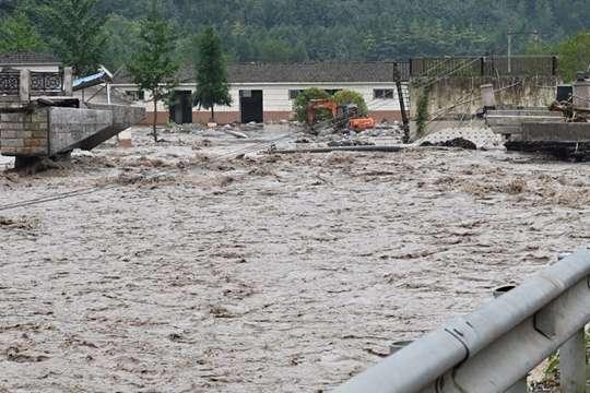 四川大邑县遭遇强降雨 2名警员在抢险救灾中因公殉职另有1人失联