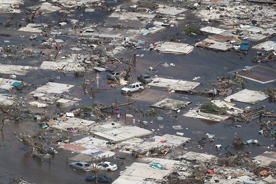 """航拍飓风""""多里?#30149;?#25195;荡后的巴哈马 损失惨重满目疮痍"""
