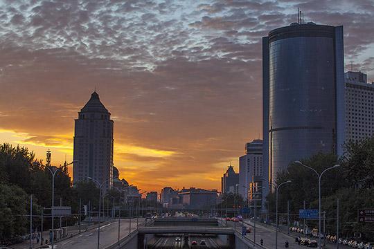 太美啦!今早北京朝霞映满天