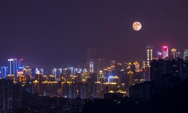 月到中秋分外明 南北共赏中秋月