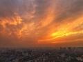 陕西西安:阴雨过后晚霞惊艳天空