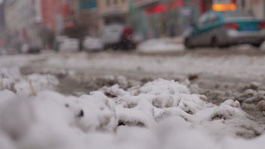 黑河迎下半年首场暴雪 全城银装素裹