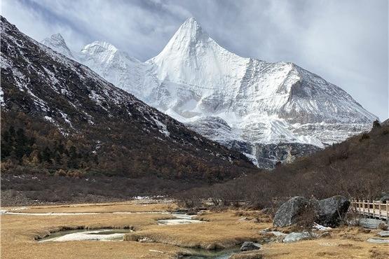 行走在11月的川西高原 金秋与初冬交替左右