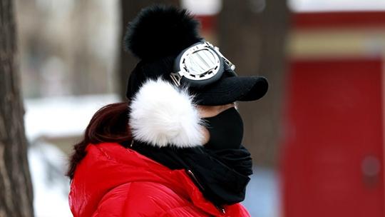 强冷空气来袭  一组图看从北到南寒冷众生相