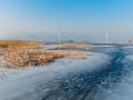 ?北京官厅水库结冰了! 大批冰钓爱好者冰上垂钓