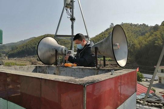 一组图记录疫情防控前线的气象人