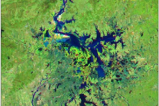 换个视角看地球 11张卫星图片纵览鄱阳湖逐年变化