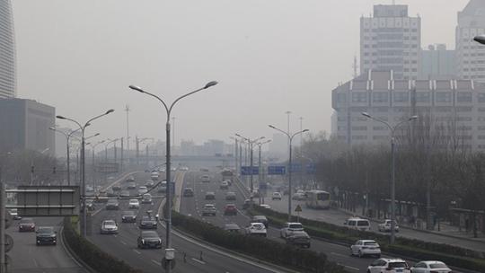 空气质量重度污染 北京天空灰蒙蒙