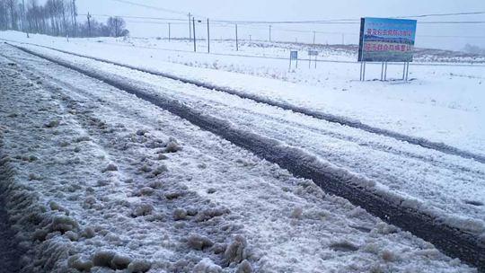 青海贵南天峻再降暴雪 重现冬日景象
