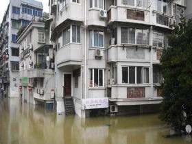 """1961年来同期第二强降雨袭长江流域 一组图带你看雨有多""""凶猛"""""""