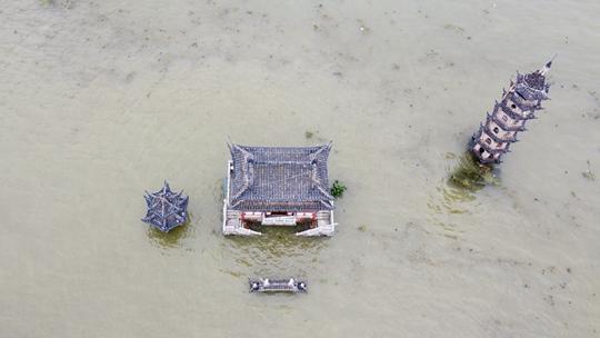 鄱阳湖各水文站全线告急 落星墩淹没水中