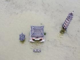 鄱阳湖各水文站全线告急 落星墩淹没在水中