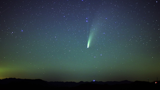 """2020年首枚肉眼可见彗星""""新智""""现身"""