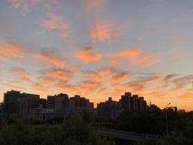 红满天!北京今晨现绝美朝霞