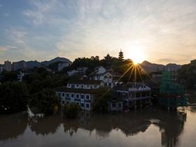 嘉陵江今年第1号洪水过境重庆 古镇磁器口部分被淹