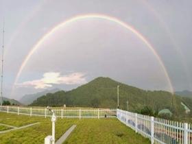 福建三明雨后出现双彩虹 刷爆朋友圈