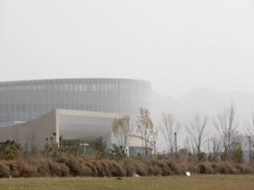 浮尘来袭!北京延庆污染严重 能见度不佳