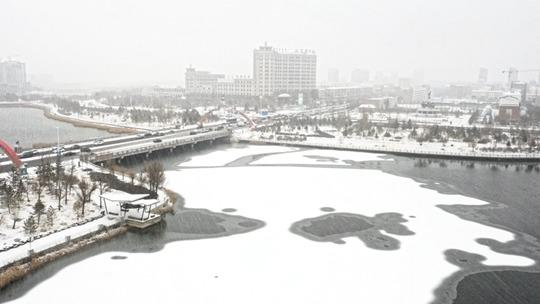 內蒙古多地出現降雪 航拍視角看雪中現場