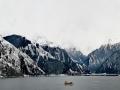 新疆天山天池白雪皑皑 尽显雪国之美