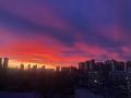 驚艷天空!內蒙古烏蘭浩特火燒云絢爛奪目