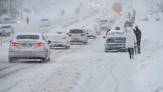 寸步難行!山東威海文登區遭暴雪侵襲