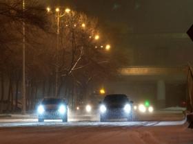哈爾濱昨夜風雪交加 交通出行受影響