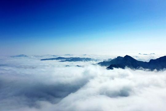 京郊百花山現云海景觀 如臨大海之濱