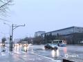 北京今晨小雨霏霏扰交通 空气质量得改善