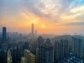 空中视角看广西南宁 朝霞晨雾扮靓城市风光美