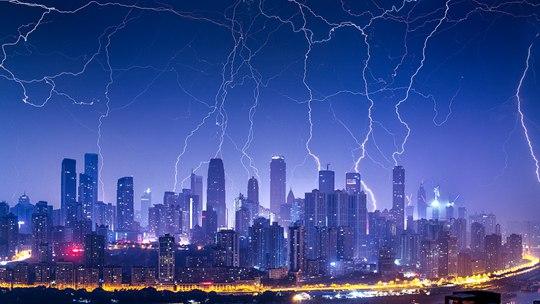 一组图盘点各地电闪雷鸣壮观景象