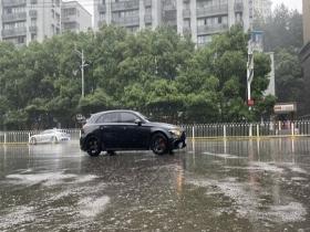 雨淋淋 湖北武汉新一轮降雨过程开启