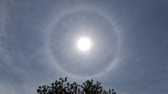 河北邢臺巨鹿縣出現日暈景觀 閃耀天空