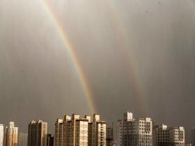 青海西宁雨后双彩虹高挂 美绝了