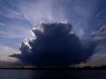 ?巨大积状云笼罩哈尔滨上空 场面震撼如科幻大片