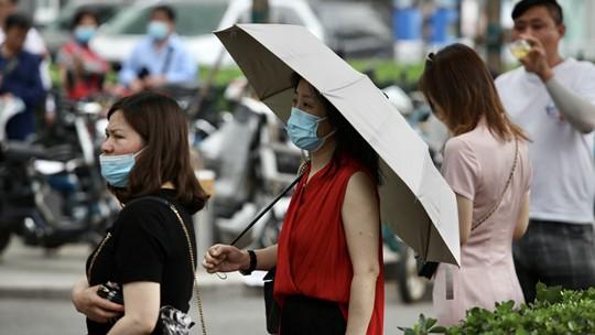 北京天气闷热 直击高考首场考试结束