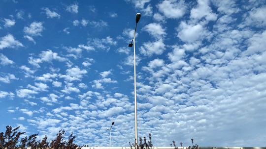 抬头看!北京天空颜值超高 蓝天悠悠白云朵朵